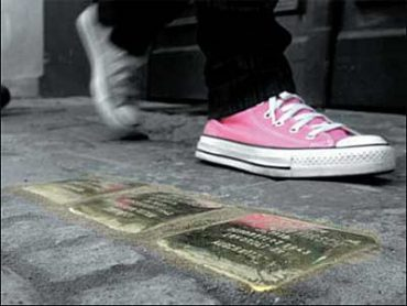 artipeous checks out the stolpersteine presented by indie republik