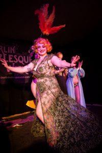 Milena Zara full moon cabaret burlesque indieberlin