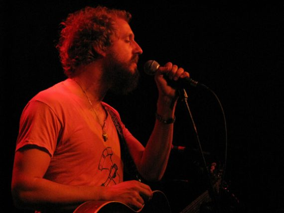 By rawkblog.blogspot.com (Phosphorescent at the Echo) [CC BY 2.0 (https://creativecommons.org/licenses/by/2.0)], via Wikimedia Commons